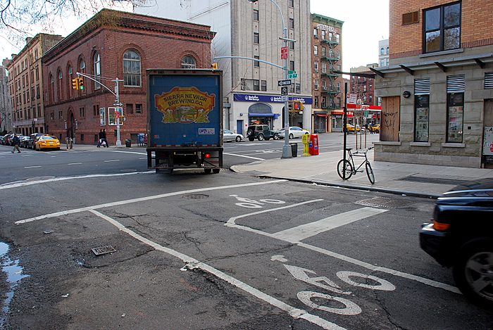 Bike Box at the 2nd Street Bike Lane