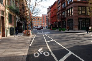 bleeker-street-bike-lane-approaching-bowery-12312007