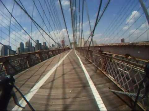Video: Bike Ride Across the Brooklyn Bridge