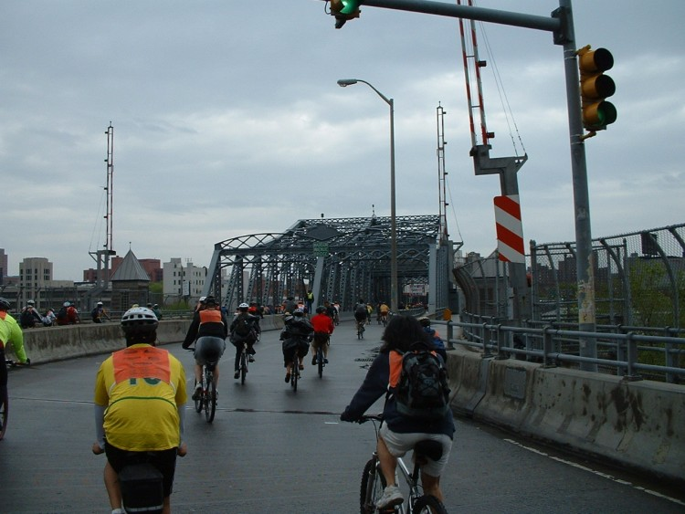 2005 Five Boro Bike Tour (17)