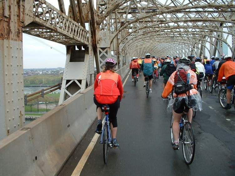 2005 Five Boro Bike Tour (26)