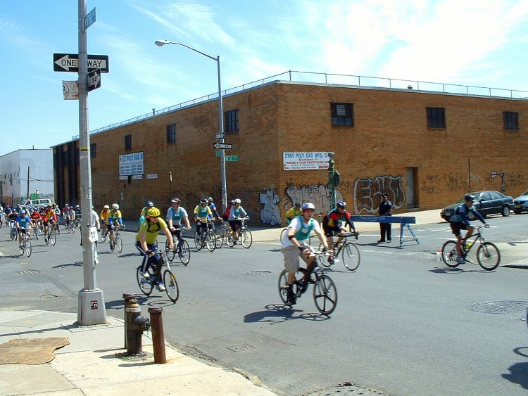 2006 Five Boro Bike Tour (16)