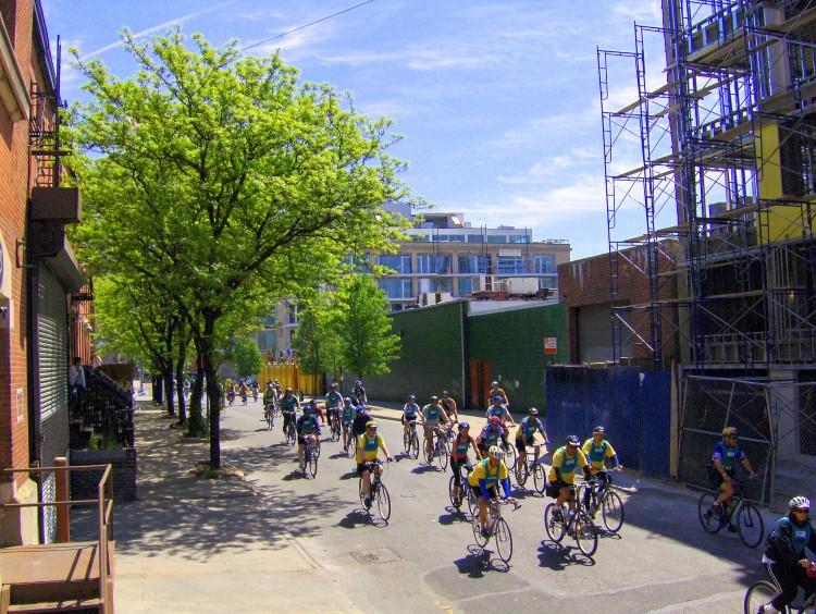 2006 Five Boro Bike Tour (42)